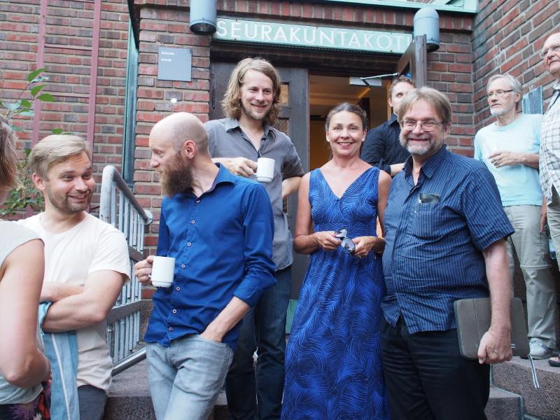 Monenlaiset esitykset ovat osa Ackté-festivaalia. Kuvassa Olavinen ja jazztaiteilija Kalle Kalima (Olavisen vieressä vasemmalla). Kuva: Sten Maury